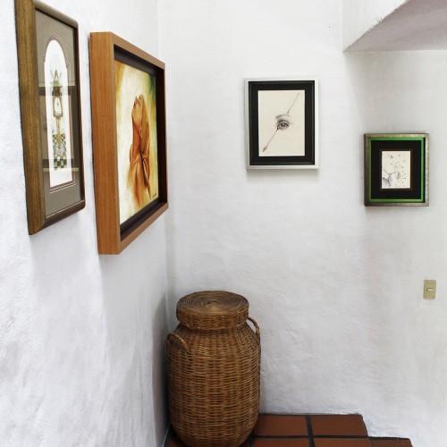 <span>Cuadros en contexto</span>: Enmarcado de las pinturas elaborado por nosotros.<br>Venta de las pinturas por Sala de Arte López Mestas.